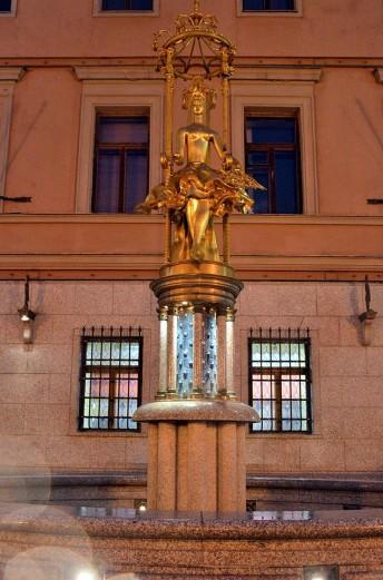 Old Arbar Pincess Tourandot fountain
